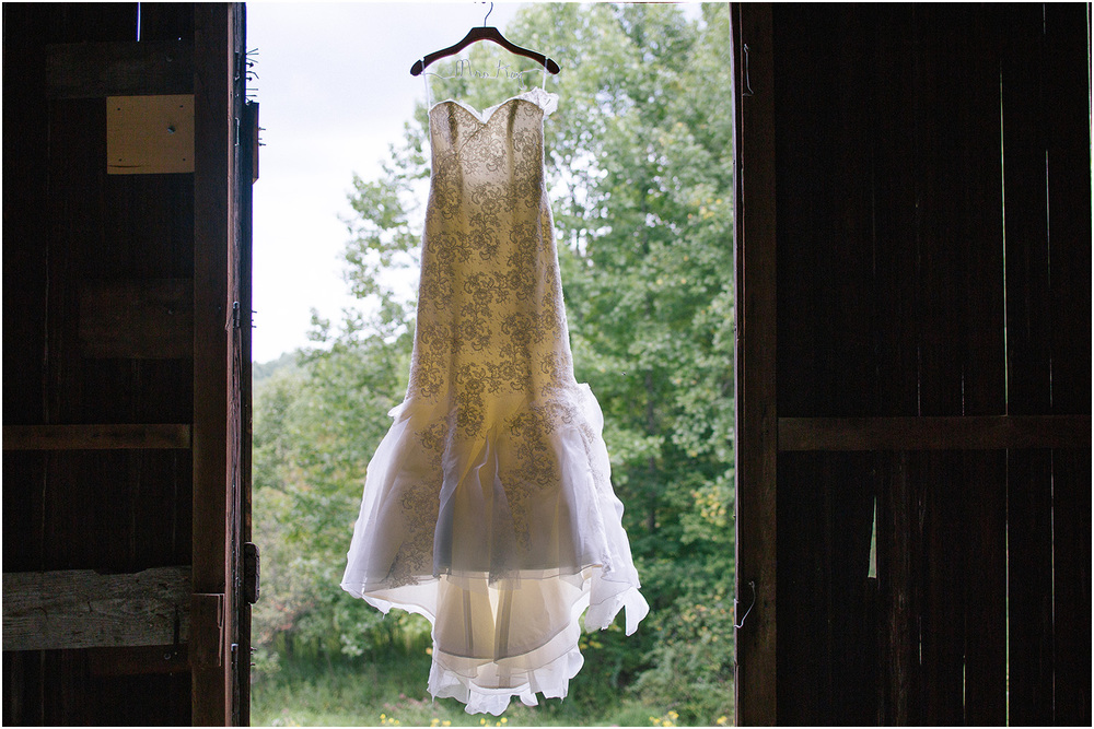 The Conrad Botzum Farmstead - Cleveland Wedding Photographer - Jessie and Dan