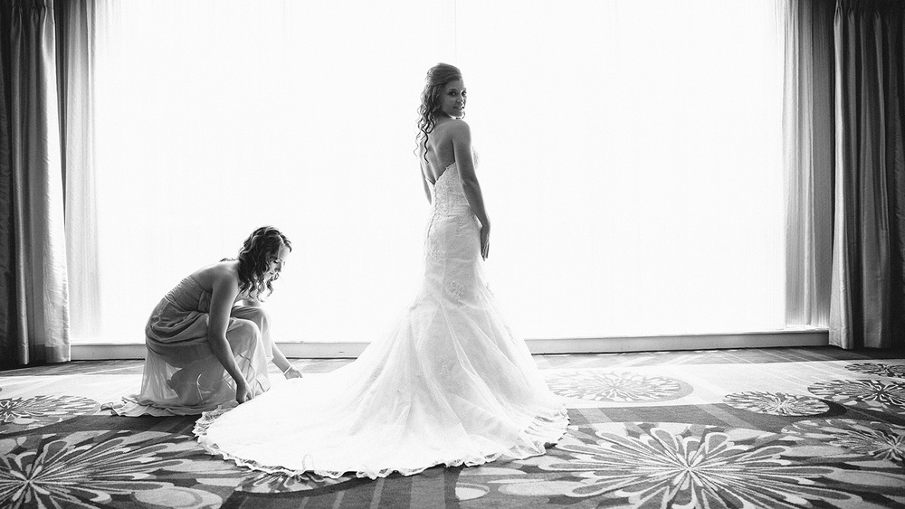 Cleveland Wedding Photographer Marriott Hotel Beach Rocky River - Nikki and Dave 12.jpg