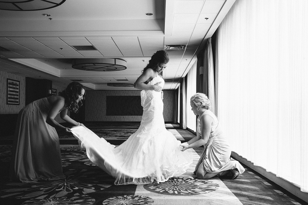 Cleveland Wedding Photographer Marriott Hotel Beach Rocky River - Nikki and Dave 11.jpg