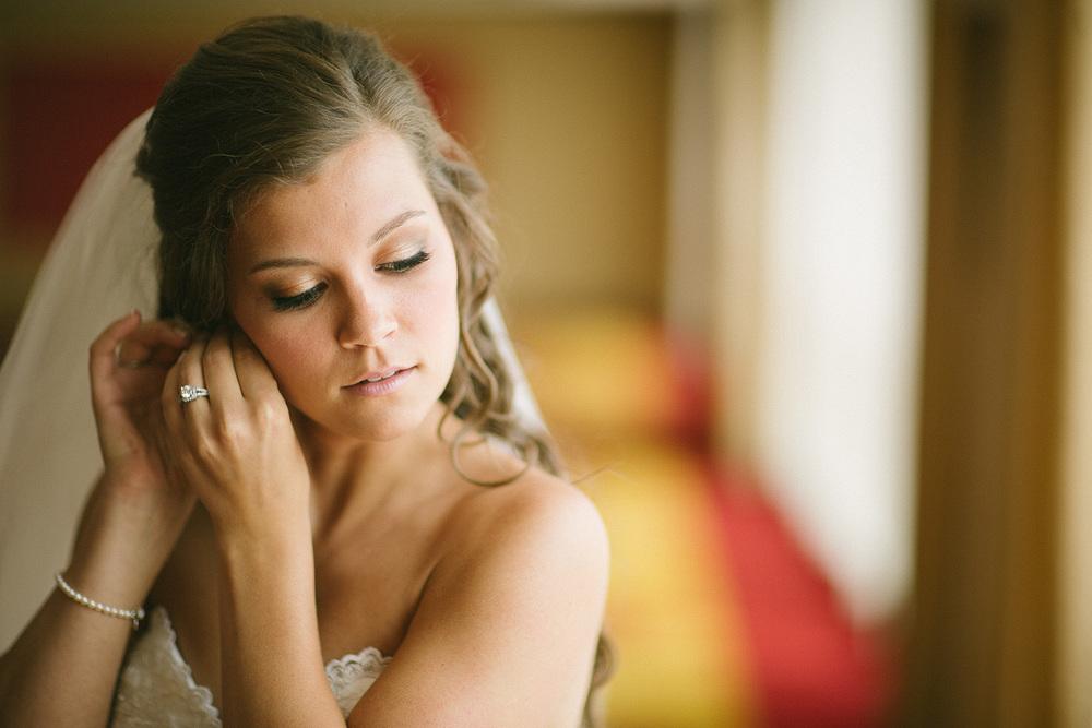 Cleveland Wedding Photographer Marriott Hotel Beach Rocky River - Nikki and Dave 14.jpg