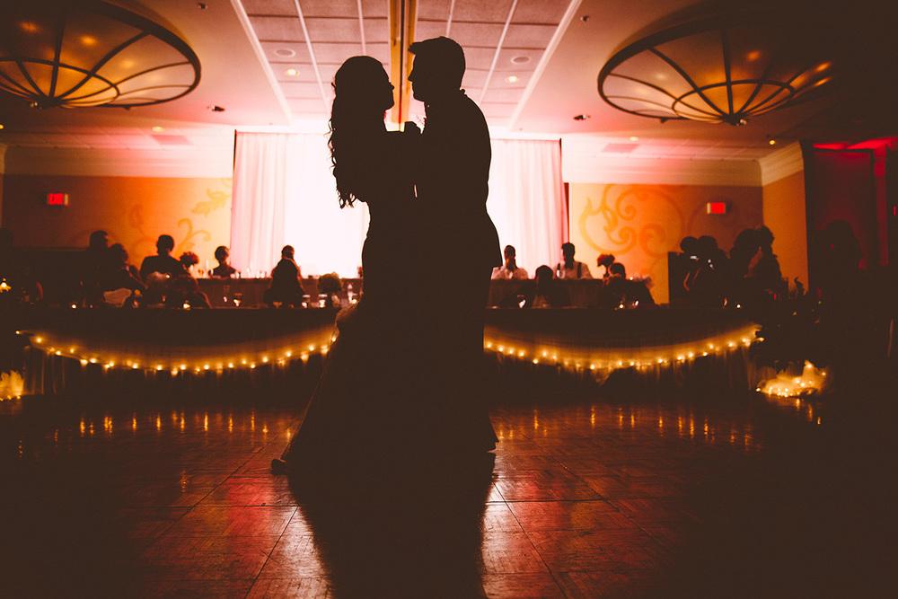Cleveland Wedding Photographer Marriott Hotel Beach Rocky River - Nikki and Dave 50.jpg