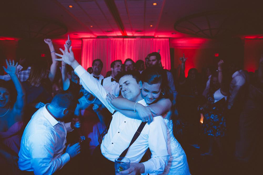Cleveland Wedding Photographer Marriott Hotel Beach Rocky River - Nikki and Dave 54.jpg