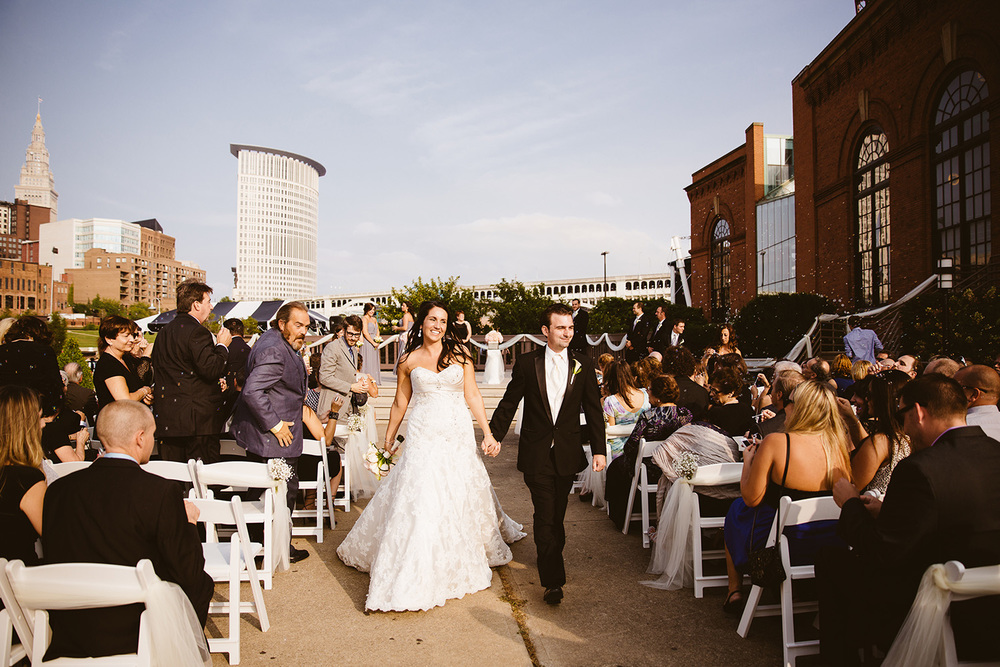 Cleveland Wedding Photographer Windows on th River Deena and Jim 19.jpg