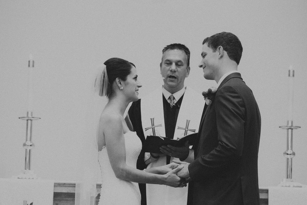 Cleveland Yacht Club Wedding Photographer CYC 17.jpg