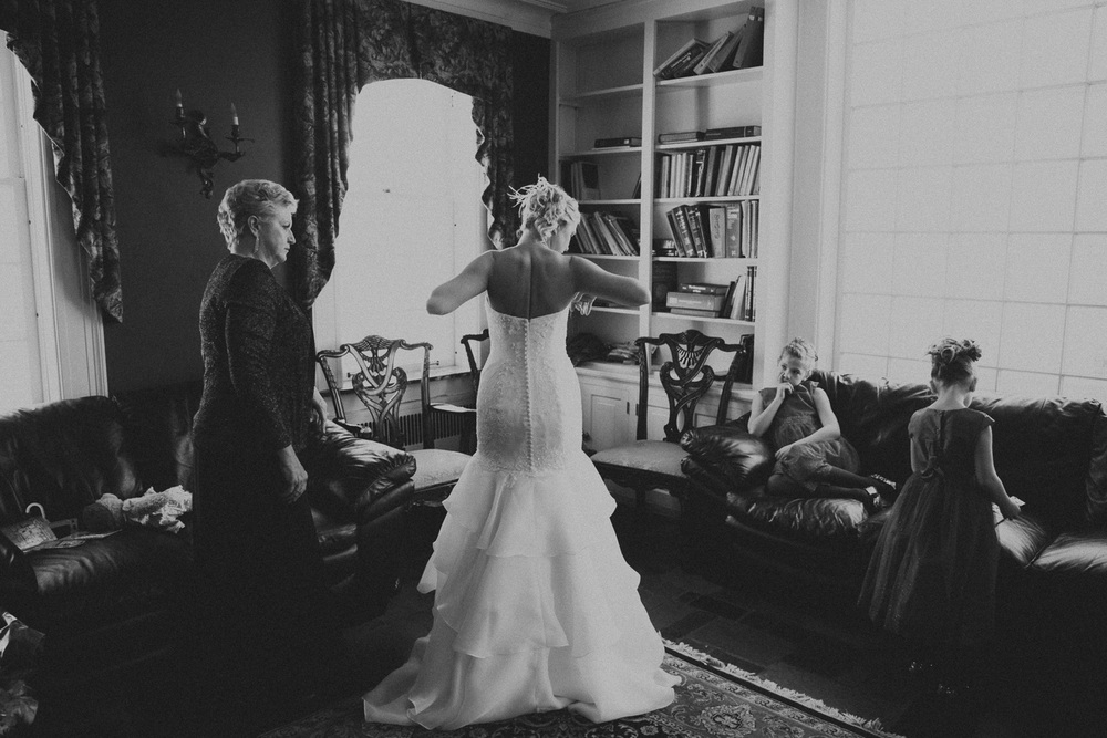 Cleveland Winter Wedding at Milan Villa 09.jpg