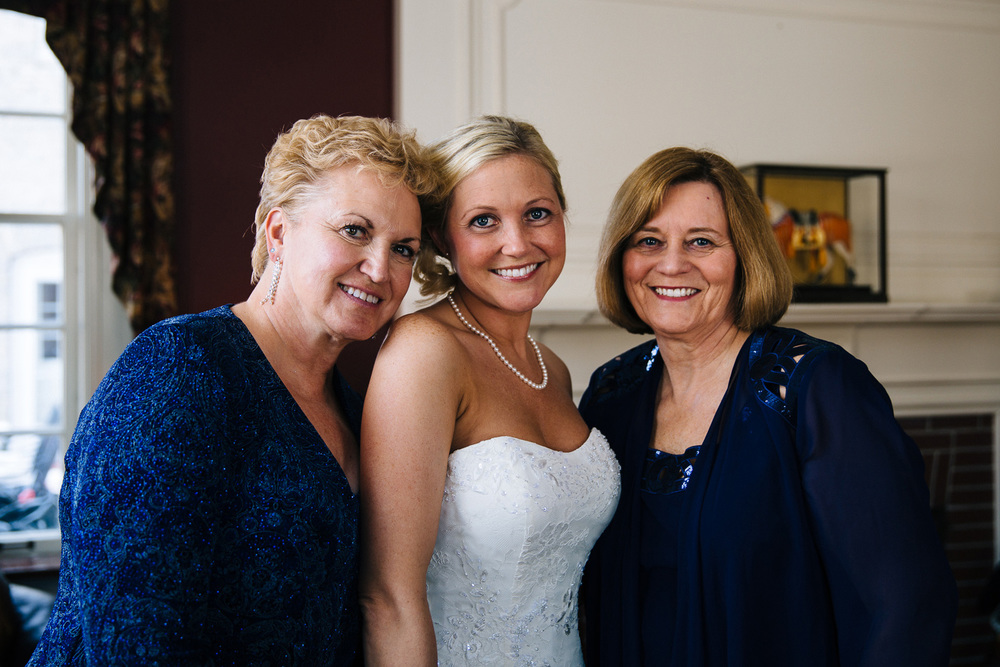 Cleveland Winter Wedding at Milan Villa 12.jpg