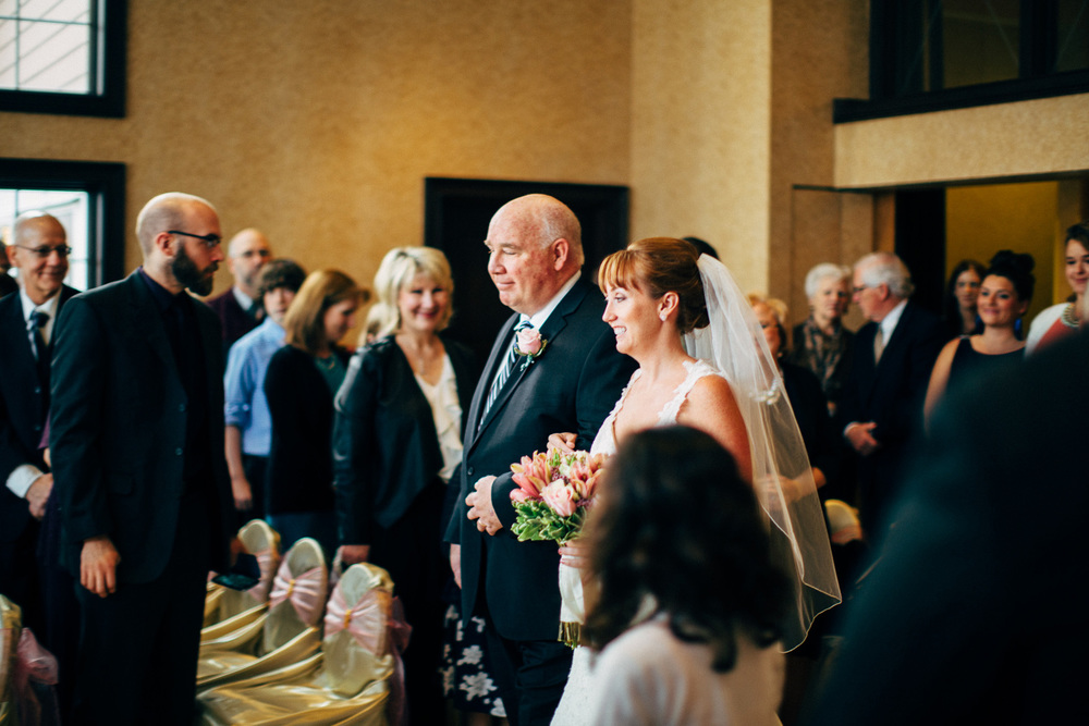 Bertram Inn Wedding Photographer Cleveland 13.jpg