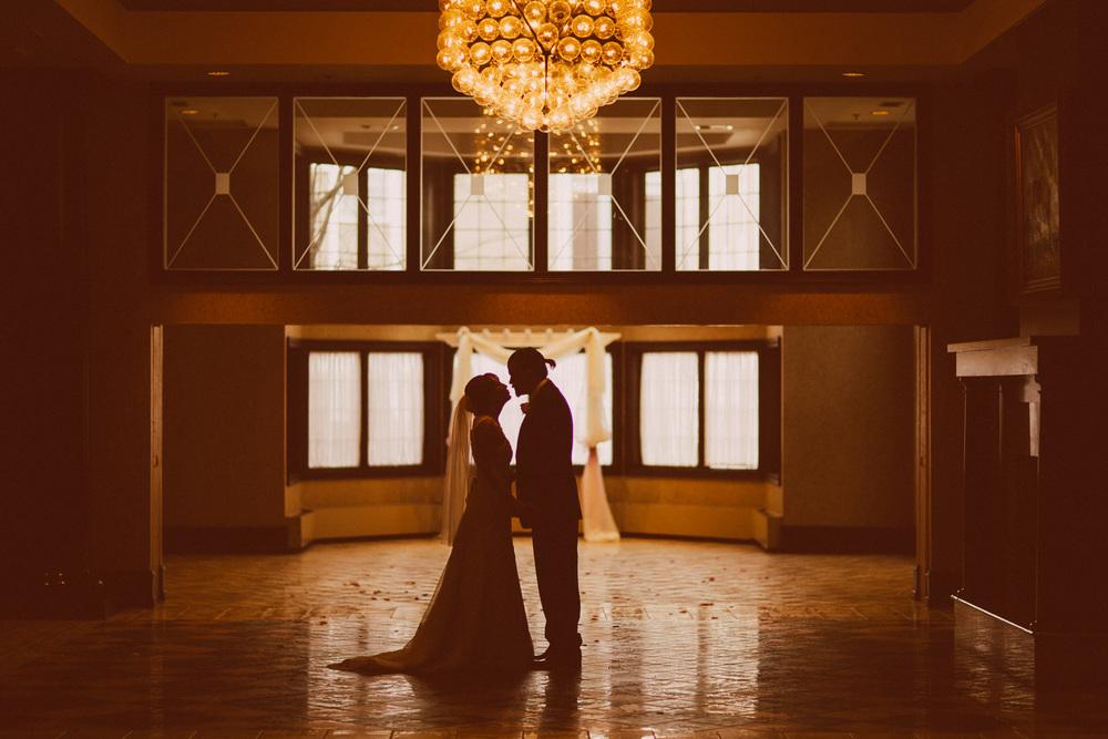 Rebecca and Ryan a bertram inn wedding in aurora