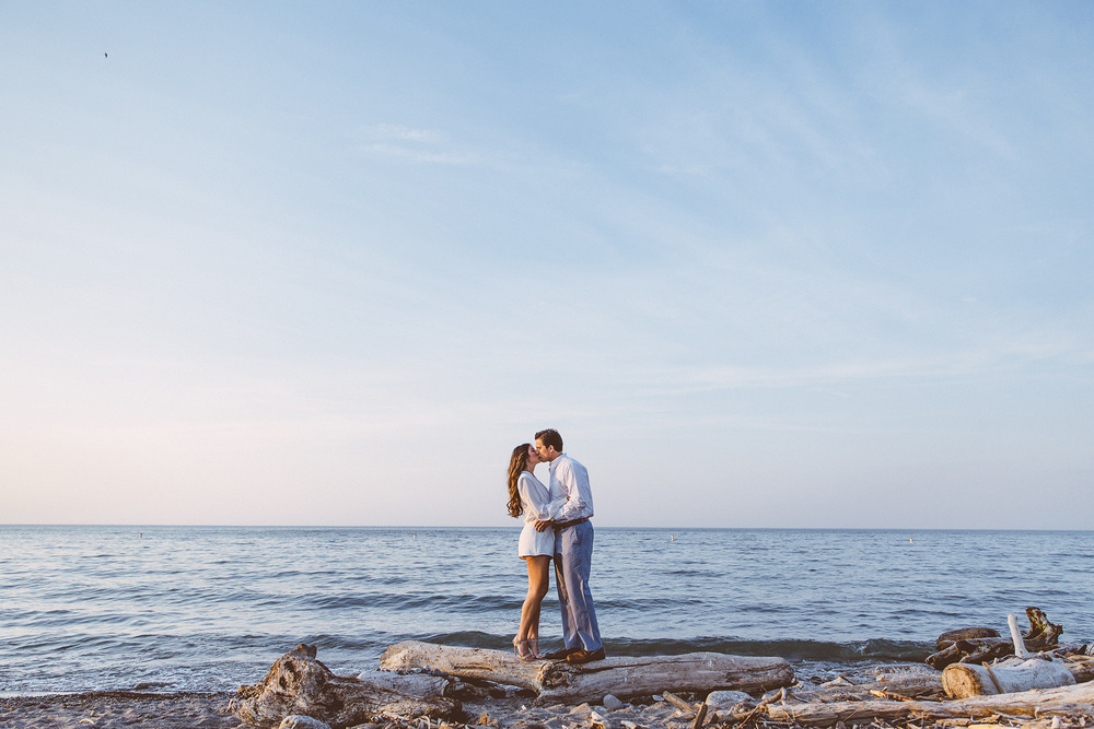 Beach Engagement Photos Cleveland Wedding Photographer 14.jpg