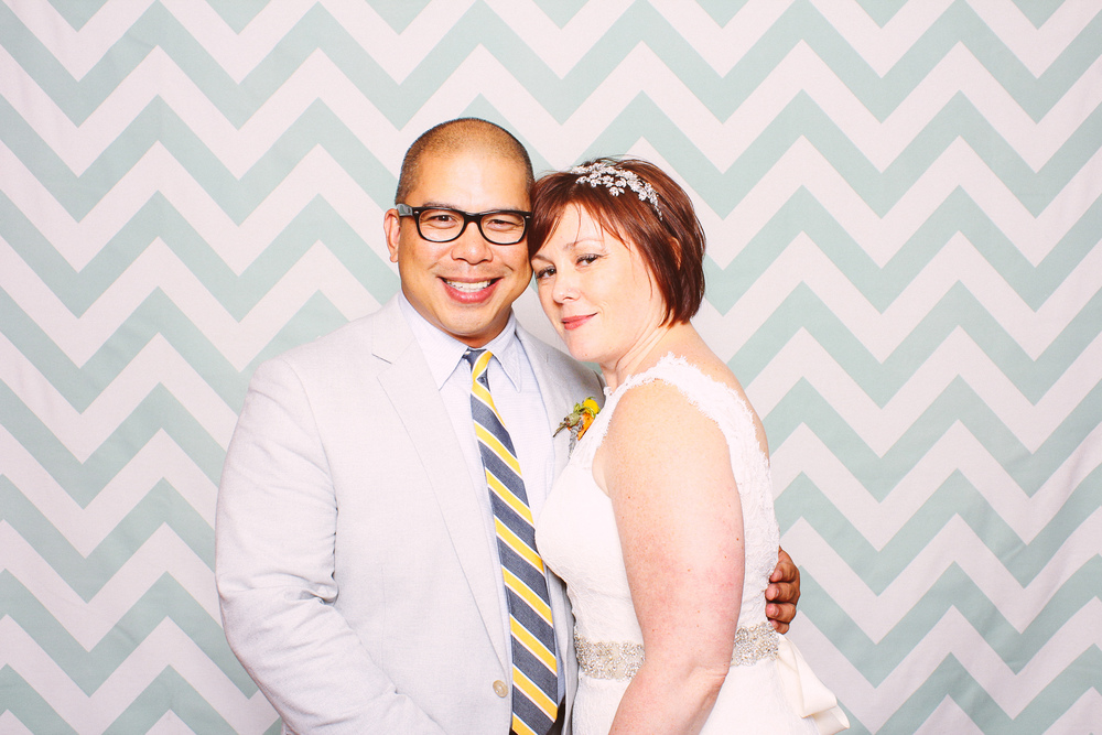Jessica + Ron photobooth at the laundry in fenton