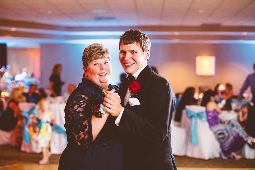 Cleveland Wedding Photographers 35.jpg