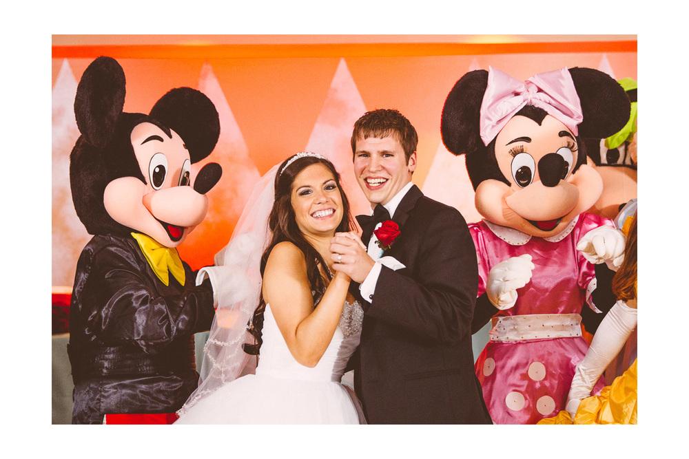 Cleveland Wedding Photographers 30-1.jpg