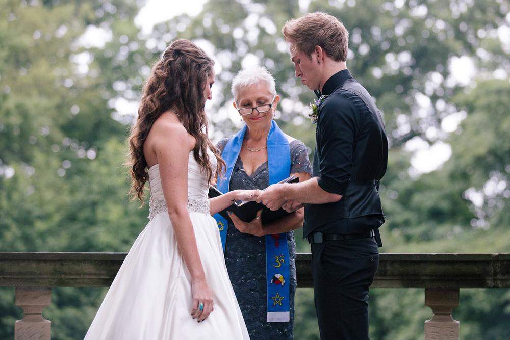 Stan Hywet Wedding Photos 24.jpg