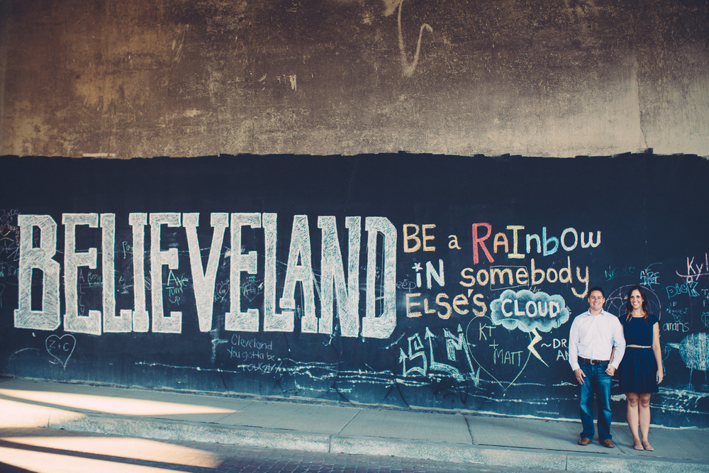 Downtown Cleveland Engagement Photos 05.jpg