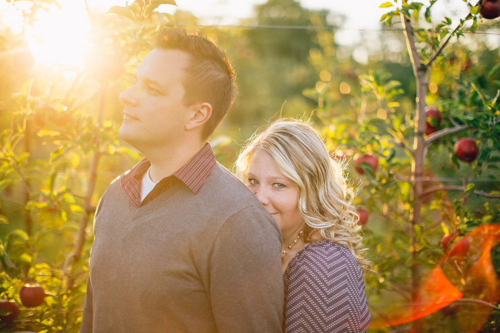 Fall Apple Orchard Engagement Photos in Ohio 13.jpg