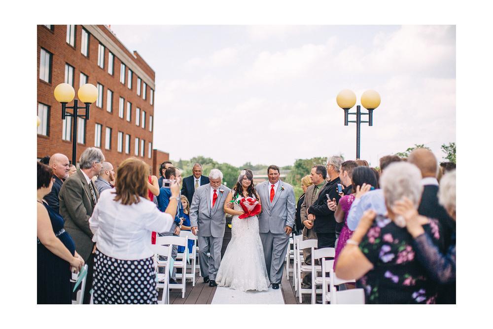 Cuyahoga Falls Wedding Photographer at Shearton 29.jpg