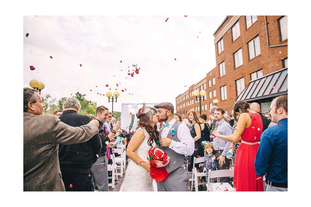 Cuyahoga Falls Wedding Photographer at Shearton 39.jpg