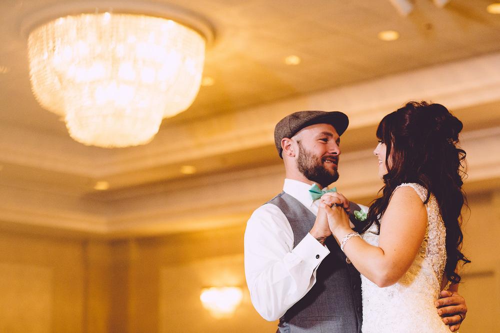 Cuyahoga Falls Wedding Photographer at Shearton 42.jpg