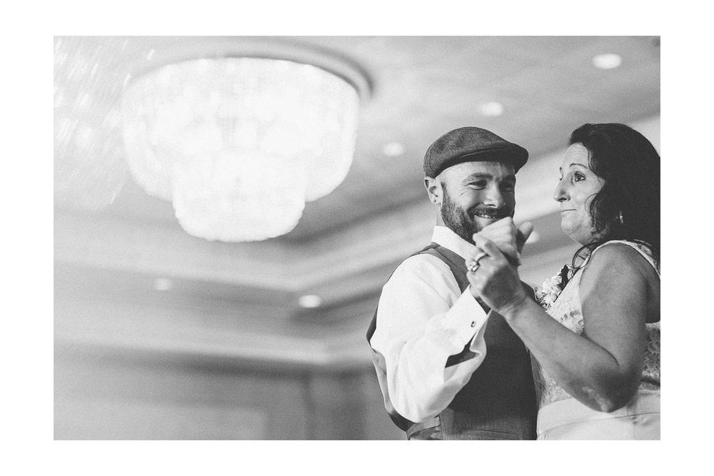 Cuyahoga Falls Wedding Photographer at Shearton 45.jpg