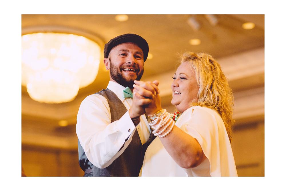 Cuyahoga Falls Wedding Photographer at Shearton 47.jpg