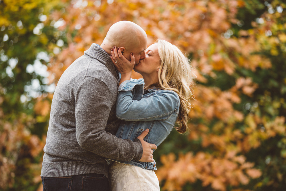 Downtown Cleveland Engagement Photos 03.jpg