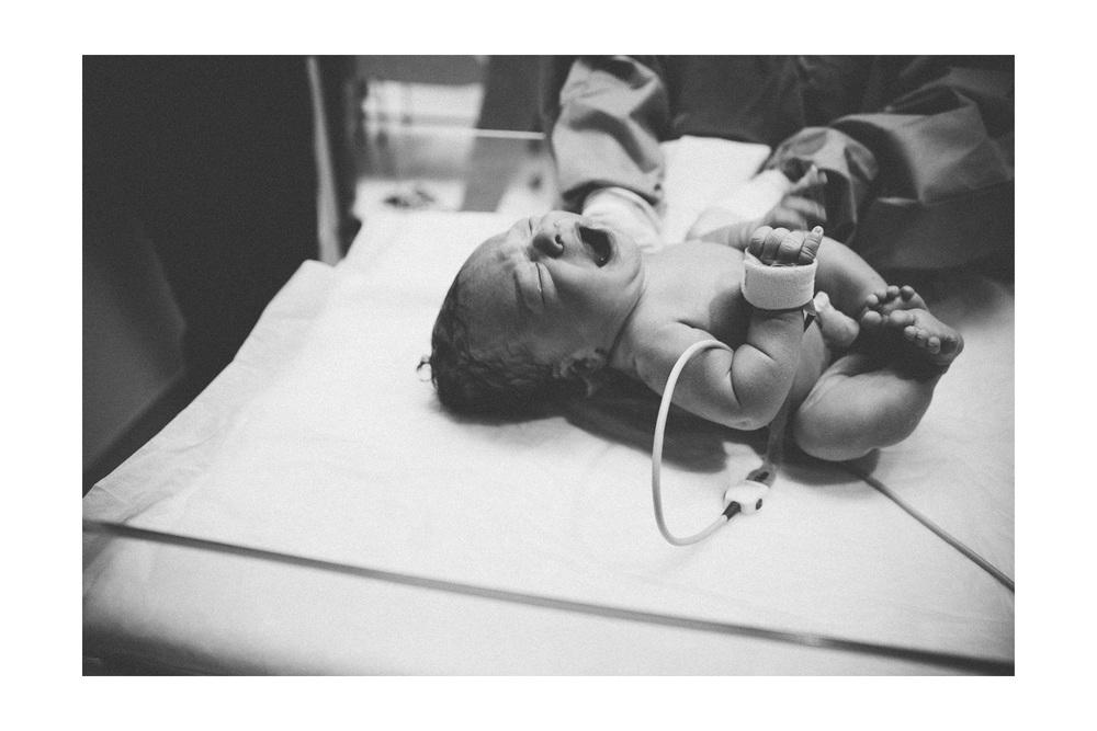 Birth Photography in Cleveland at St John Westshore Hospital 15.jpg