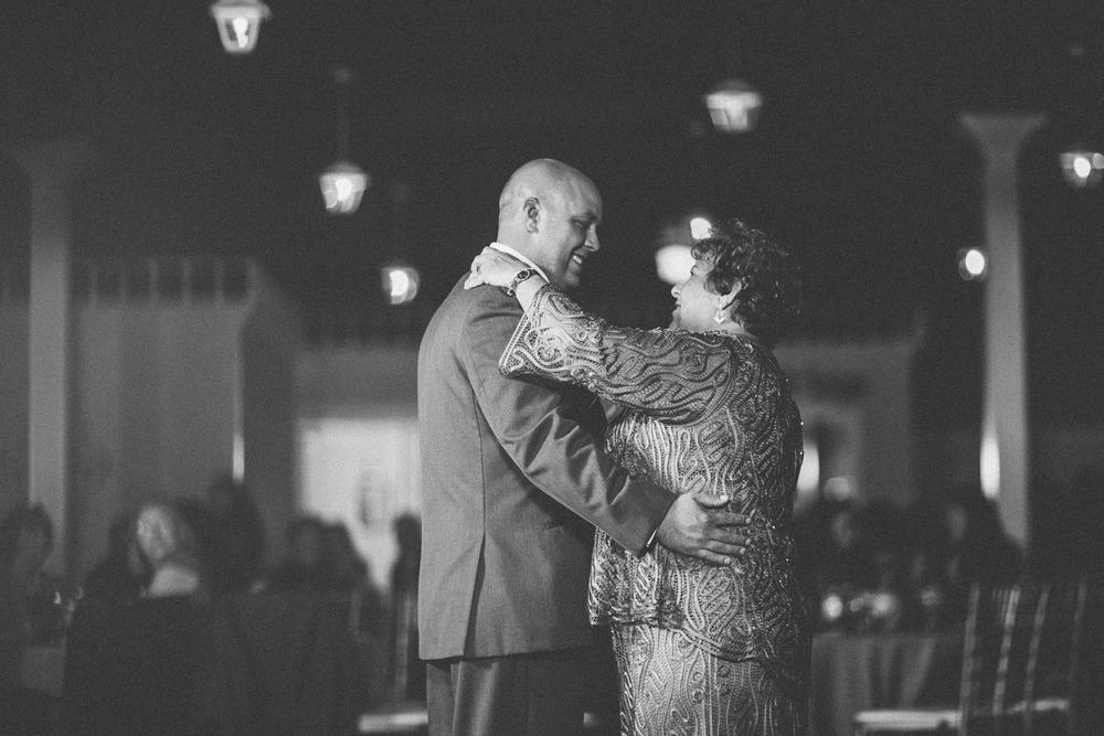 Akron Canton Wedding Photographer 29.jpg