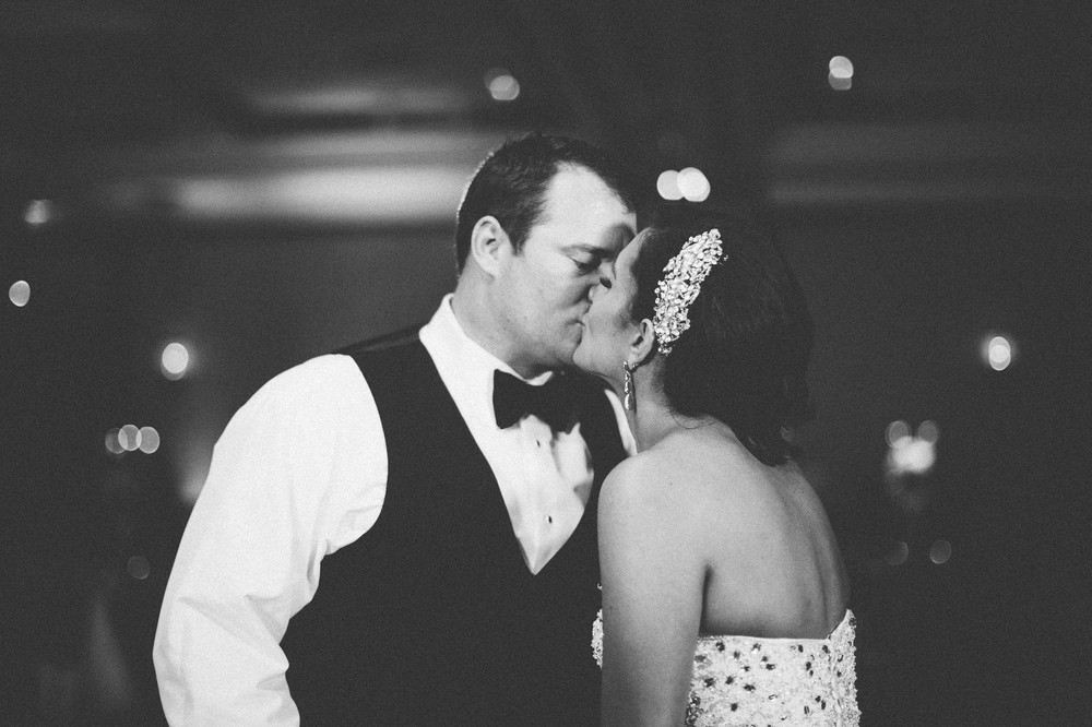 Dowtown Marriot Cleveland Wedding Photographer-47.jpg