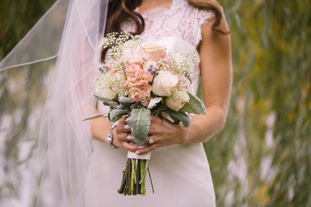 Gervasi Vineyard Wedding Outdoor Wedding in Ohio 15.jpg