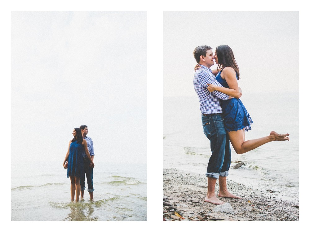 Cleveland Beach Engagement Photos-8.jpg