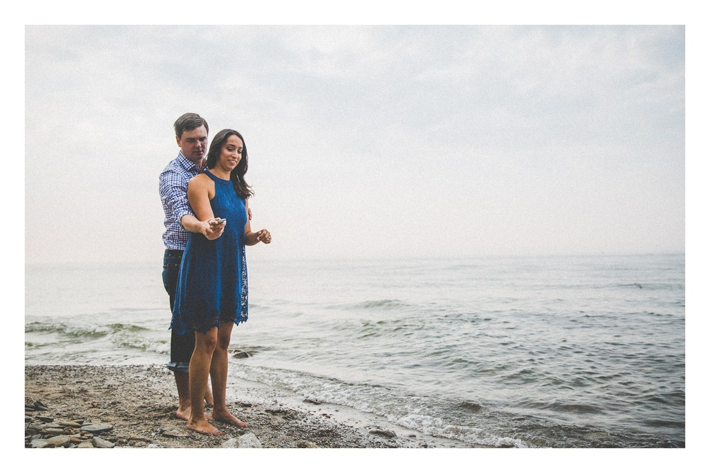 Cleveland Beach Engagement Photos-12.jpg