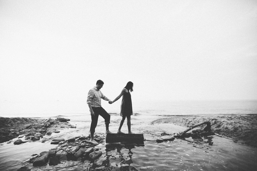 Cleveland Beach Engagement Photos-21.jpg