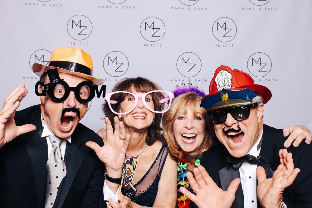 00403-Cleveland Museum of Art Wedding Photobooth-20151017.jpg