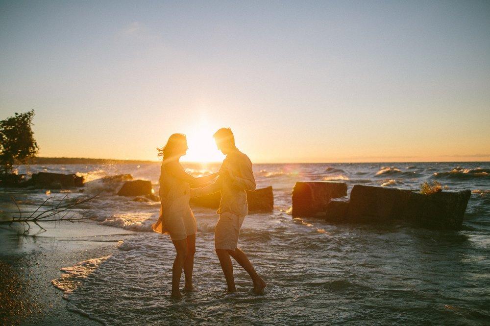 Lake Erie Cleveland Wedding and Engagement Photographer 16.jpg