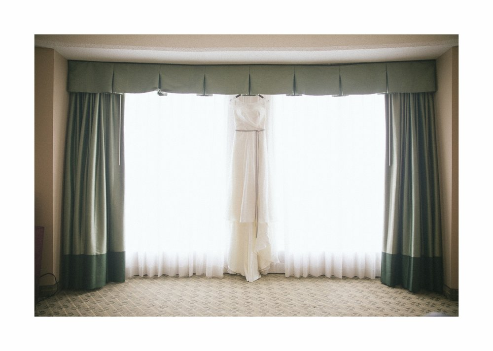 Cleveland Wedding Photographer at the Wyndham Hotel in Playhouse Square 5.jpg