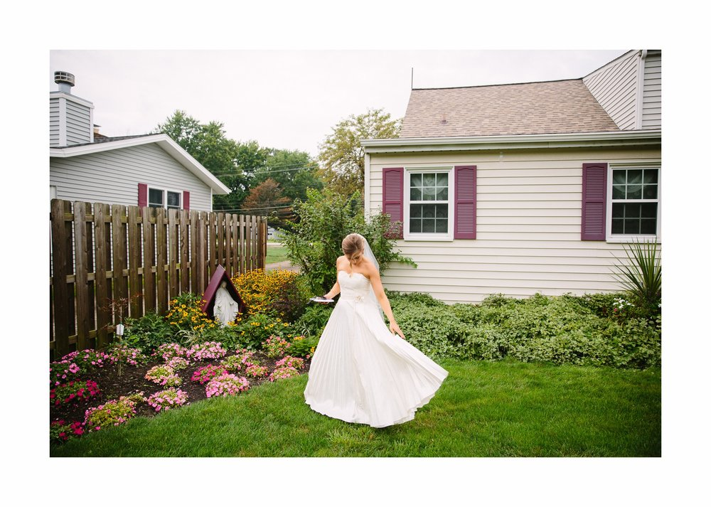 Mapleside Farm Barn Wedding Photographer in Cleveland 13.jpg