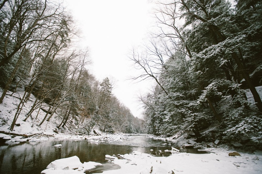 Cleveland Snowy Winter Engagement Session in Chagrin Metroparks 1.jpg
