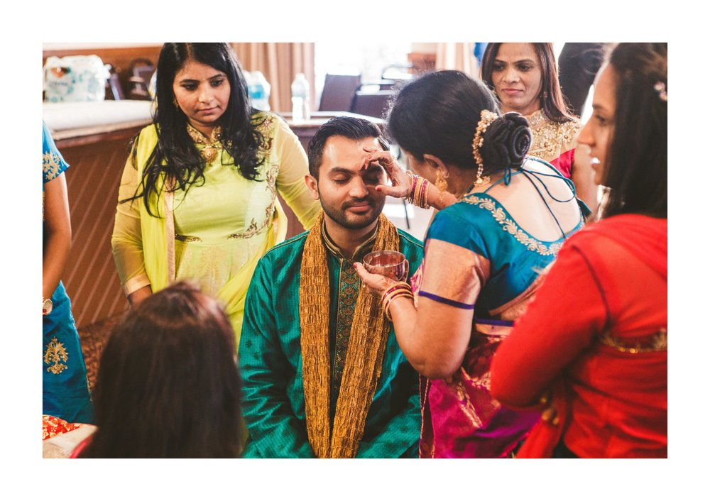 Columbus Indian Wedding Photographer at the Renaissance Hotel 7.jpg
