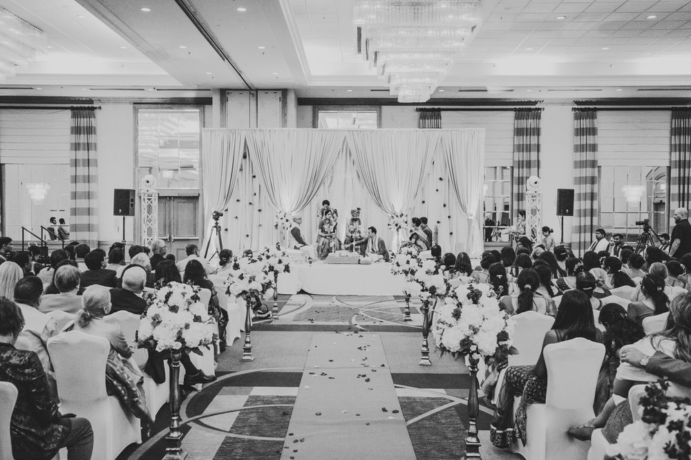 Columbus Indian Wedding Photographer at the Renaissance Hotels  40.jpg
