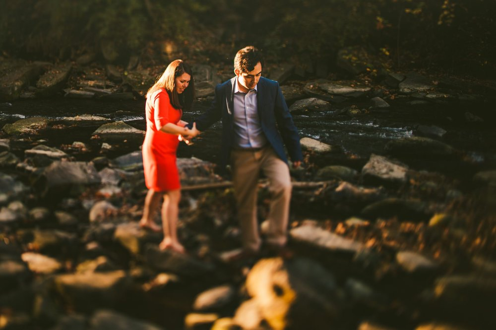 Chagrin Falls Fall Engagement Photos 5.jpg