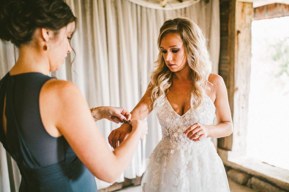 Gish Barn Rustic Chic Wedding Photographer in Ohio 23.jpg