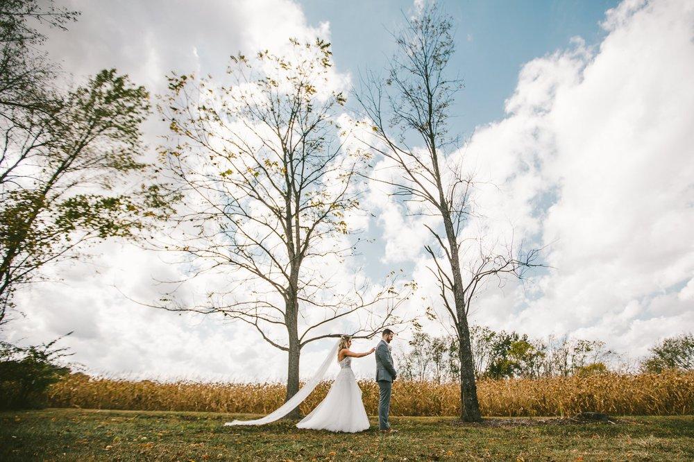 Gish Barn Rustic Chic Wedding Photographer in Ohio 34.jpg