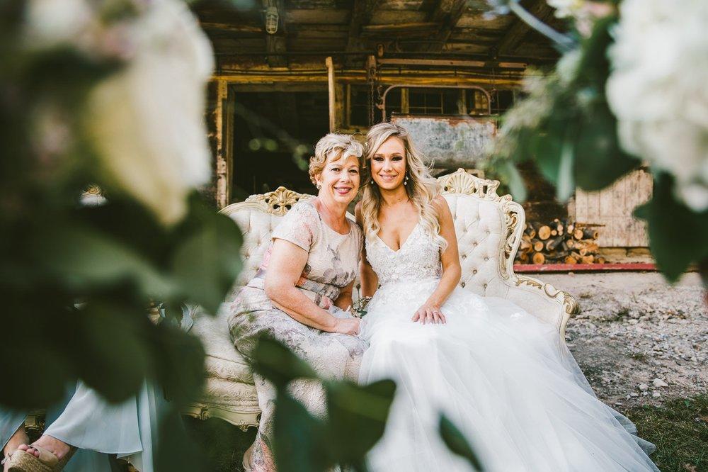 Gish Barn Rustic Chic Wedding Photographer in Ohio 52.jpg