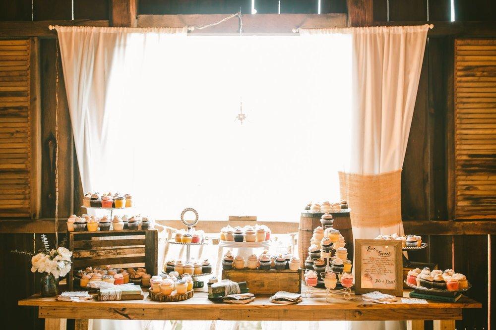 Gish Barn Rustic Chic Wedding Photographer in Ohio 108.jpg