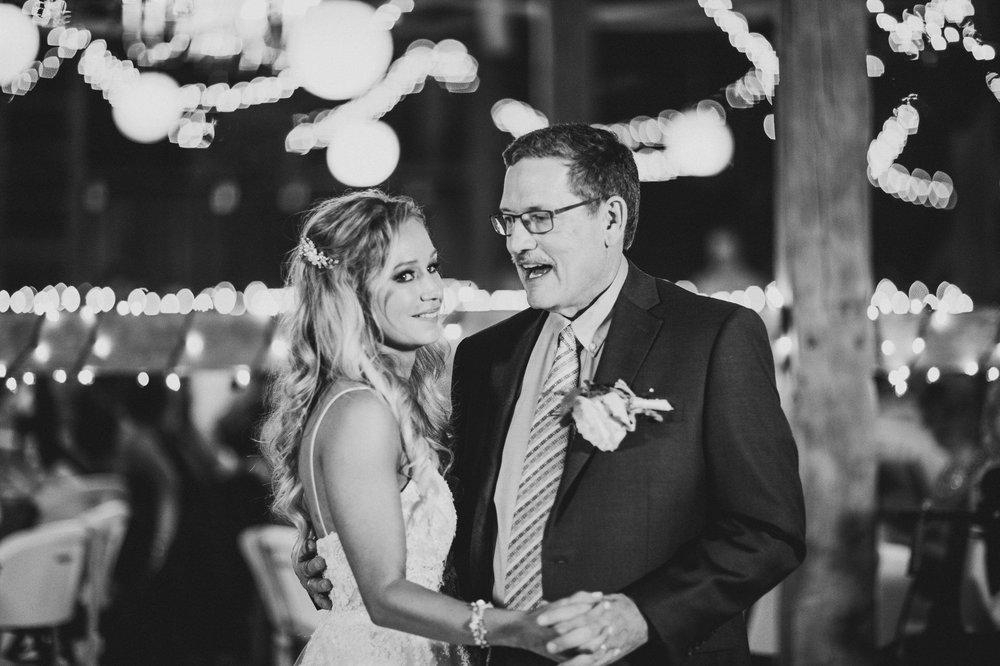 Gish Barn Rustic Chic Wedding Photographer in Ohio 126.jpg