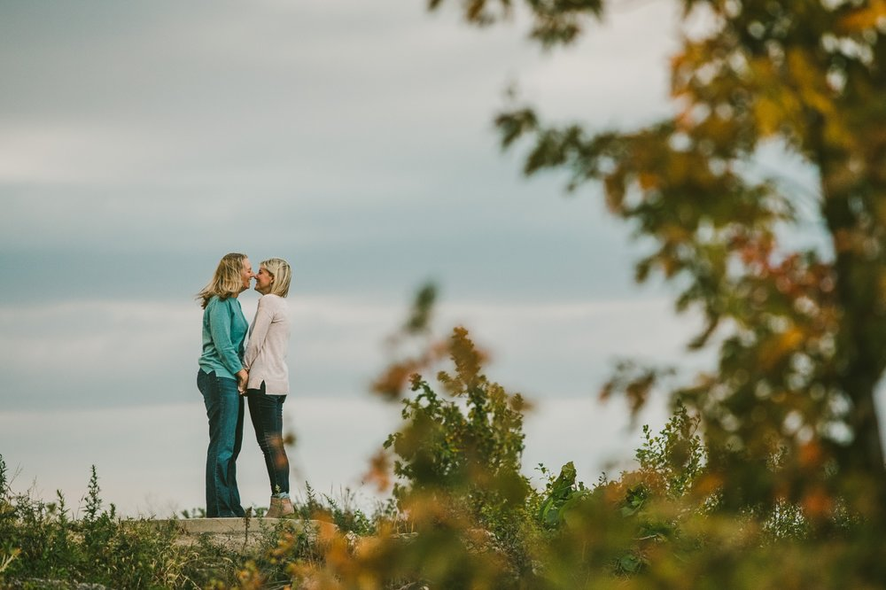 Lakewood Ohio Engagement Photographer Fall Photos 20.jpg