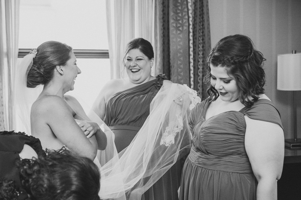 Renaissance Hotel Cleveland Wedding Photographer 19.jpg
