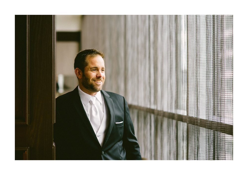 Westin Hotel Wedding Photographer in Cleveland 10.jpg
