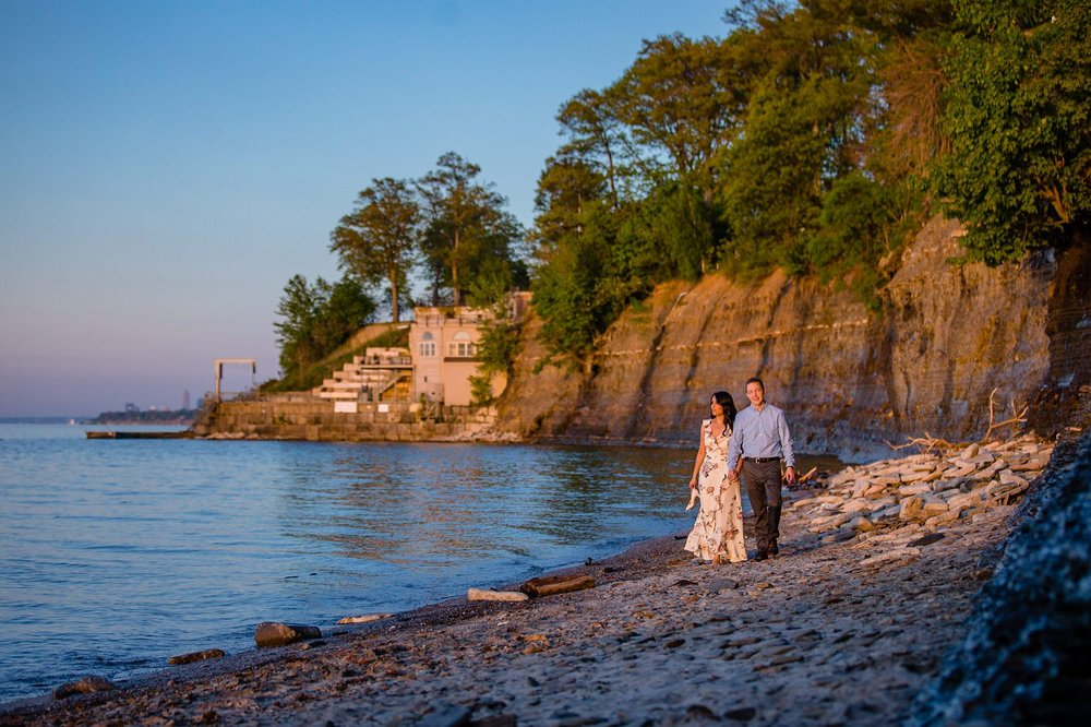 Cleveland Edgewater Beach Engagement Session 15.jpg