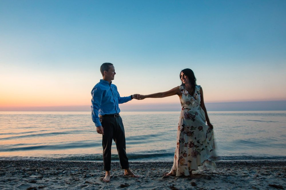 Cleveland Edgewater Beach Engagement Session 30.jpg